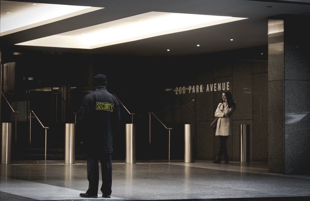How to get rid of your worries by hiring a professional security guard for your events